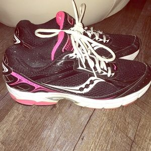 Saucony Tornado sneakers